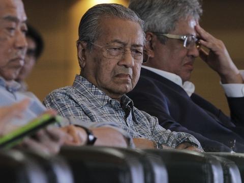 20160327_MALAYSIA-POLITICS-CONGRESS_09-480x360